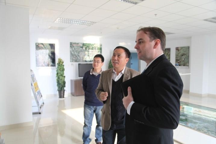 2018年1月30日,中国科学院院士、中国科学院遥感与数字地球研究所研究员、数字丝路国际科学计划(DBAR)主席郭华东在《自然》杂志发表题为构建数字丝路的评论文章,旨在响应习主席提出的一带一路倡议,...